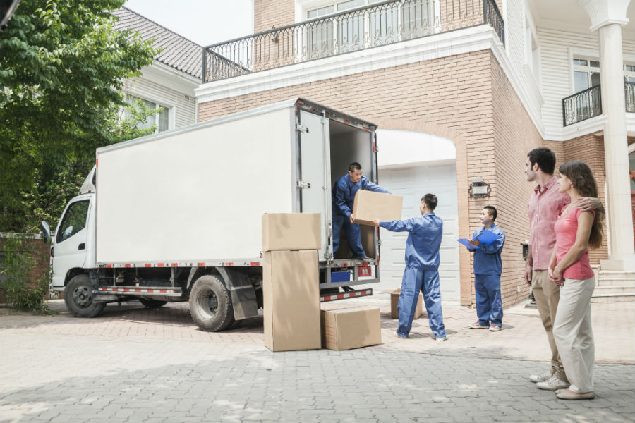 9 Reasons it is worth it to hire movers